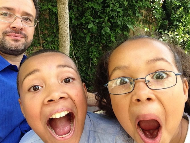 kids making funny faces